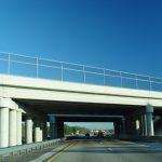 Ekrany akustyczne przy autostradach – po co? Jakie mają zadanie?